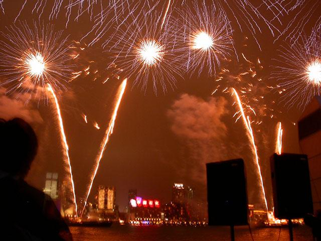 Firework1a